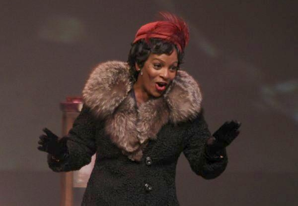 Review: Vanessa Bell Calloway Convincingly Channels Zora Neale Hurston in One Woman Play